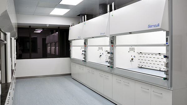 浙江大学实验室样板间层流幕通风柜应用